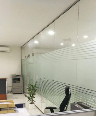 office glass partition in Dubai